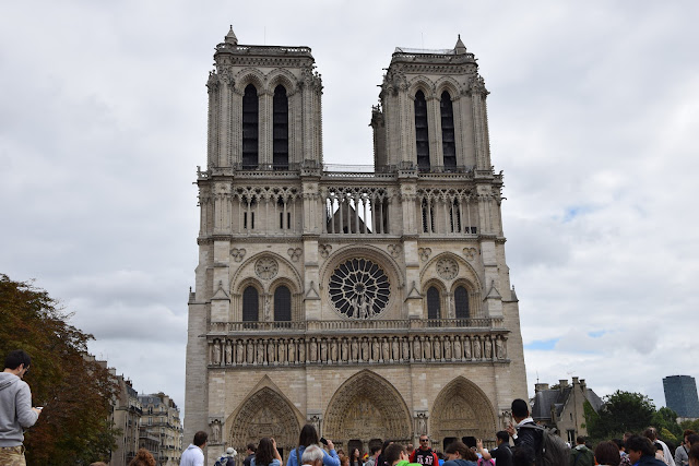 Paryż w pigułce #6 - La cathédrale Notre Dame - zdjęcie 1 - Francuski przy kawie