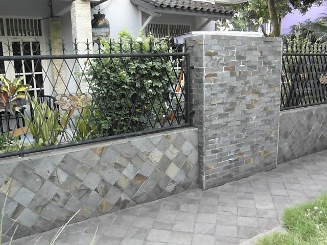 11 desain pagar batu alam untuk tampilan rumah yang indah
