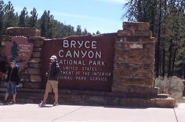 Entrance Sign to Bryce Canyon National Park