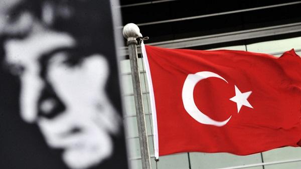 Paylan pidió al parlamento turco investigar el caso Dink