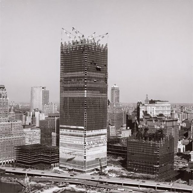 15 Amazing Vintage Photos Of The U S Iconic Buildings And