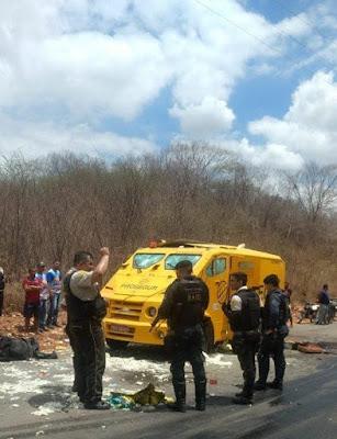 Carro Forte é assaltado entre Jucás/Saboeiro