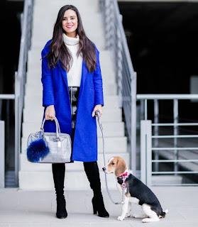 Imágenes Tendencias Moda Mujer Instagram Otoño Invierno abrigos azul klein