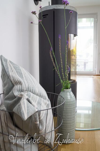 Dekorieren mit Blumen.Heute in der Vase: Eisenkraut und Salbei. Interior, Deko und Wohn-Blogger