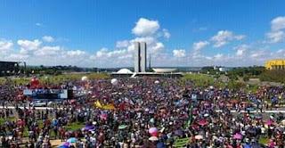 Mais de 1 milhões de pessoas participaram de mobilização em defesa da educação