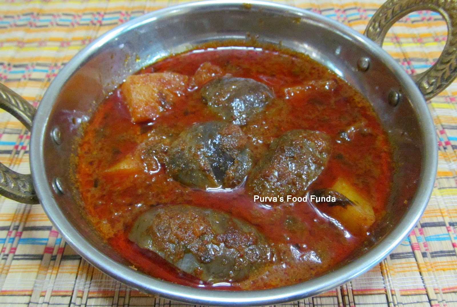 Indian food recipes indian recipes desi food desi recipes a typical maharashtrian curry batata ani vangyacha rassa this curry is made too many styles this style is used in kokan belt forumfinder Image collections