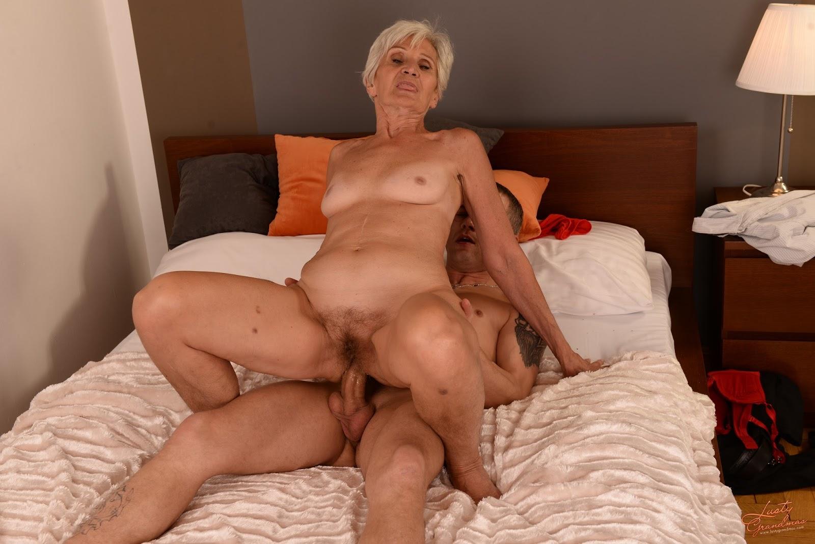 бабушки мастурбация видео