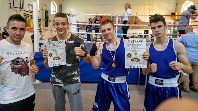 boks,Zielona Góra,treningi boksu,Leszno,turniej bokserski,pięściarze,szkoła boksu