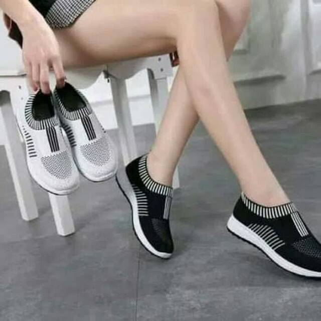 Sepatu Wanita Slip On JM08