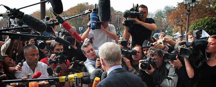Max Mosley ante la prensa en París en 2009 por el Crashgate