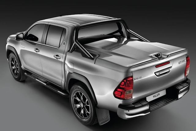 Toyota Hilux Black Edition 2019