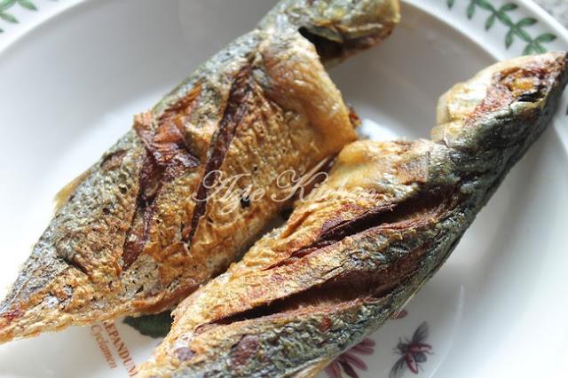 Kali ini aku mahu kongsikan tips untuk menggorengkan ikan yang garing menyerupai yang disedi Tips Menyediakan Ikan Goreng Garing