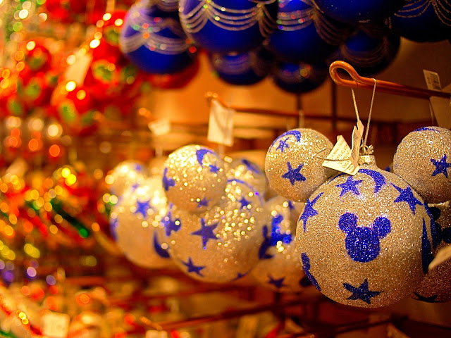 Happy Christmas Ornaments Wallpapers Free HD Download 2016