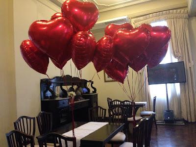 Balões metalizados de coração vermelho