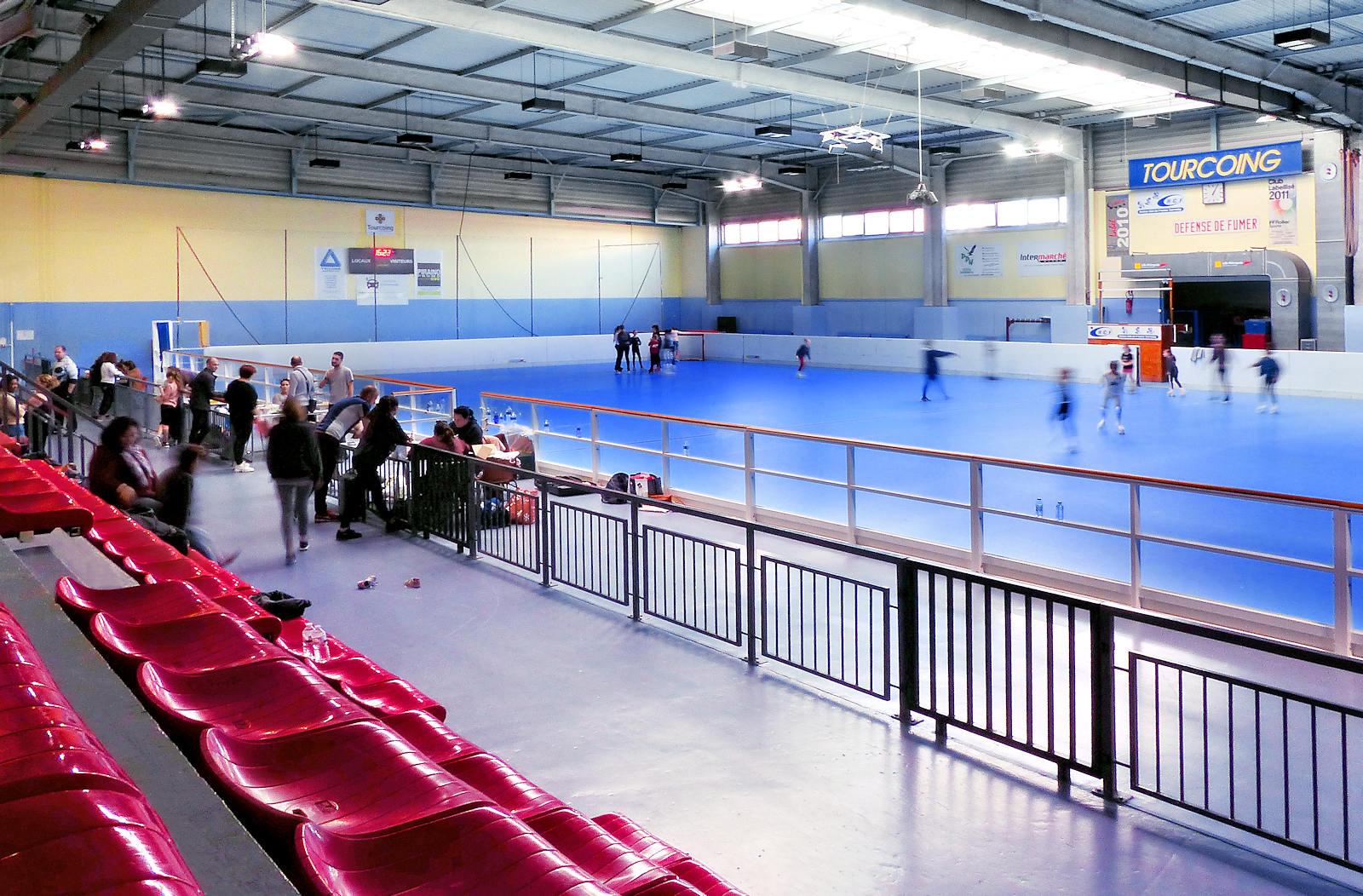 La salle de patinage artistique sur roulettes