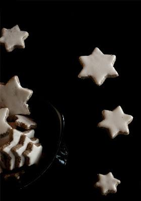 http://www.masalaherb.com/2013/12/gluten-free-cinnamon-star-cookies.html