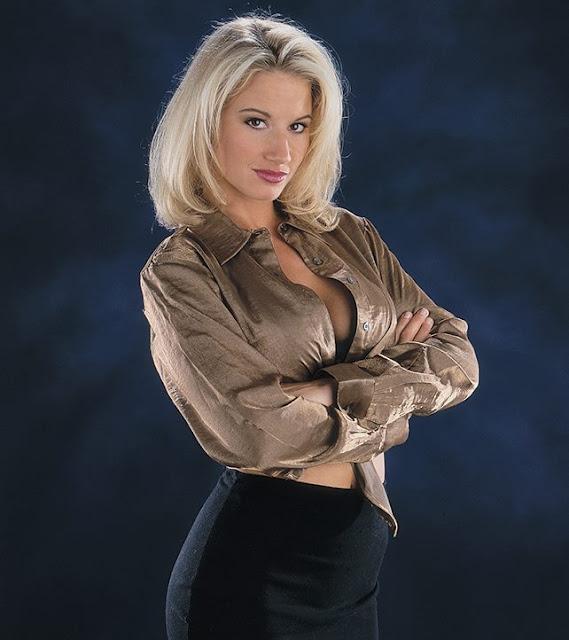 WWE Hall of Famer Sunny