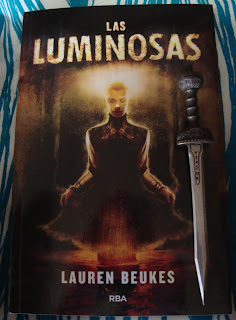 Portada del libro Las luminosas, de Lauren Beukes