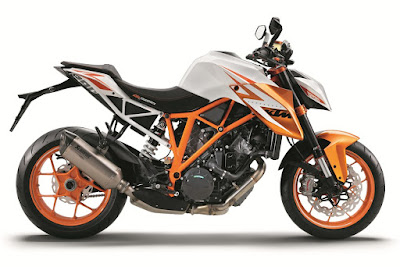 2017 KTM Duke 390 side view
