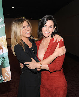 Jennifer Aniston to be maid of honour for Courteney Cox!.jpg