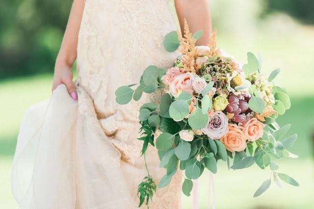 Bukiet ślubny w kolorze nude