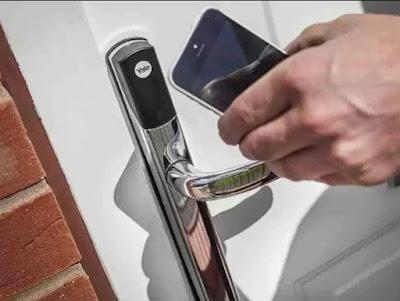 handle pintu canggih membuka dengan smartphone