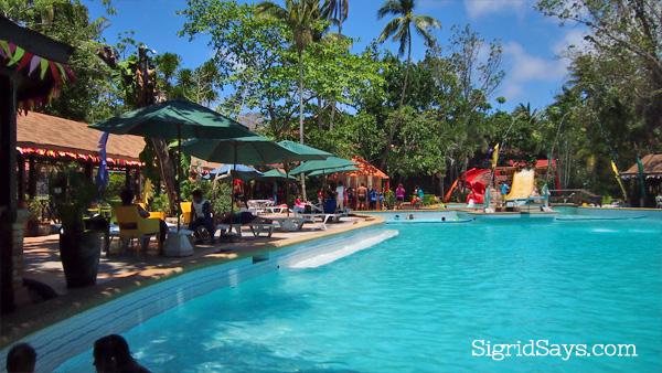 Dakak swimming pool