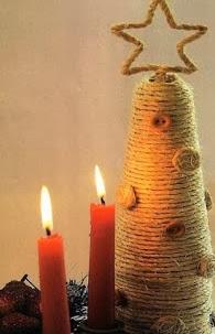 http://manualidadesnavidad.org/arbol-de-navidad-pequeno-de-estilo-rustico/