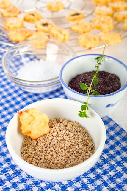 Sesam, Mohn oder Salz für herzhafte Speisen. Edyta Guhl.