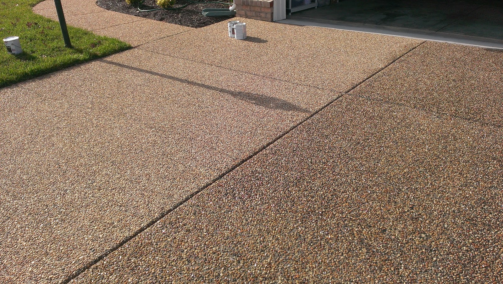Southern home wood deck cleaning driveway cleaning and for Best way to clean cement driveway