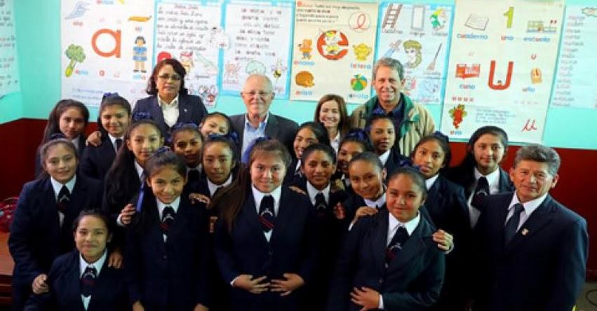 MINEDU: Presidente Kuczynski y ministra Martens felicitan a escolares de Ayacucho por avances en la ECE 2016 - www.minedu.gob.pe