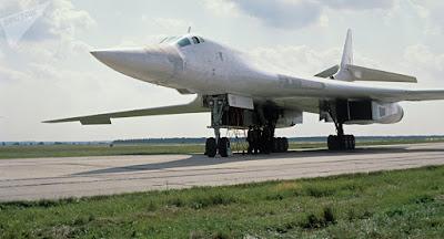 Rússia inicia produção em série de seu bombardeiro supersônico Tu-160M2