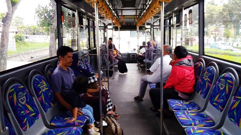 Inilah Alasan Kenapa Berkendaraan Umum itu Lebih Produktif, Akibat mebawa kendaraan sendiri ke kantor, Yang telah Jakarta lakukan untuk mengurangi kemacetan, Cara mendukung Jakarta bebas macet