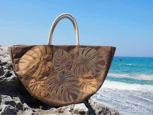 monstera, philodendron, cheese plant, beach bag, Greece, Crete, holidays, washpapa, vegan leather, paper cut out, kraft-tex, washable paper, paper bag, paper tote, tropical plants, handbag, durable paper, vegan accessories, ethical fashion,