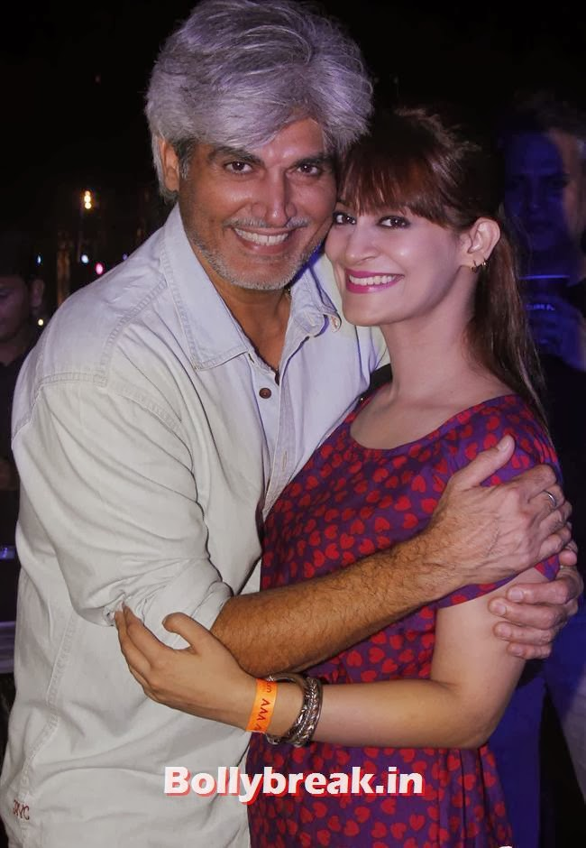 Sarah With Harindra Singh, Page 3 Babes at Sunburn Arena DJ AVICII Concert