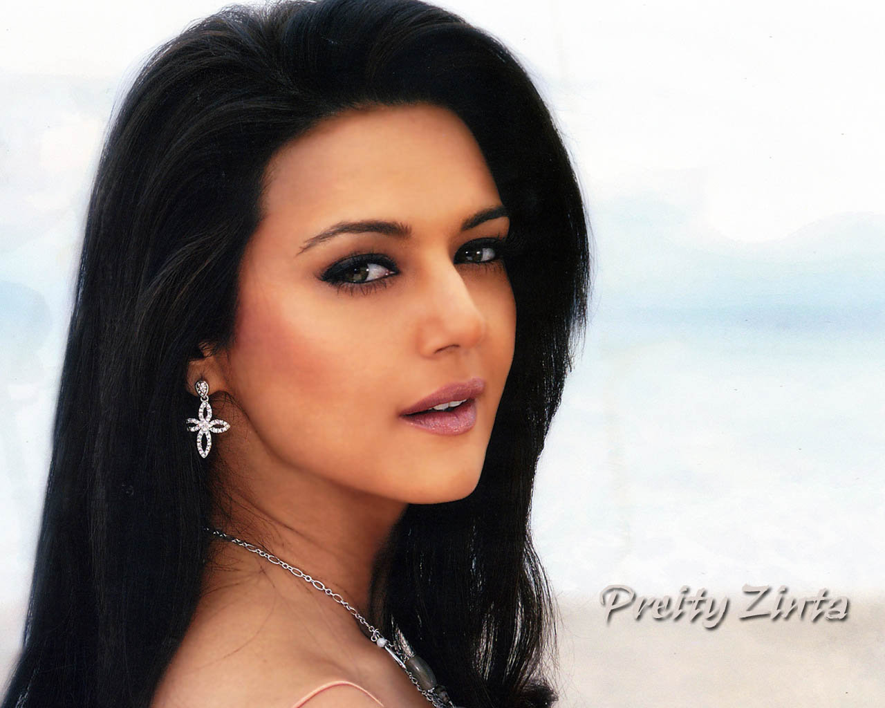 Very Hot Preity Zinta Pictures  Celeb Hot Pics  Celeb -8024