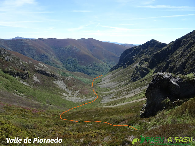 Ruta al Mustallar: Valle de Piornedo