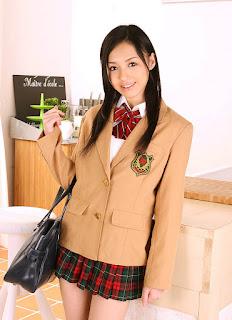 aino kishi sexy schoolgirl cosplay 01