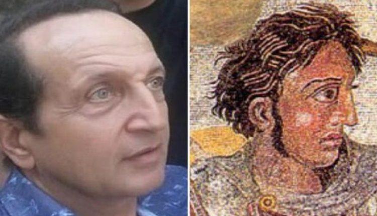 Ο Σπύρος Μπιμπίλας πιστεύει ότι μοιάζει με τον Μέγα Αλέξανδρο!!!
