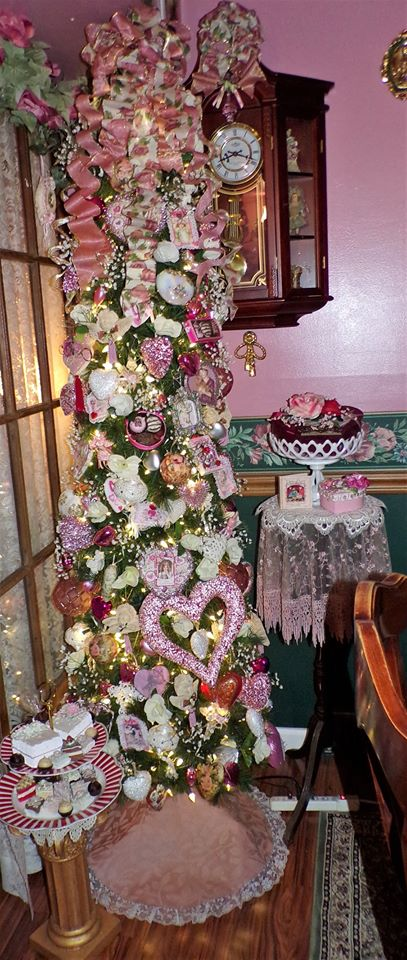 Dining Room Valentine's Tree and Vignettes, 2020