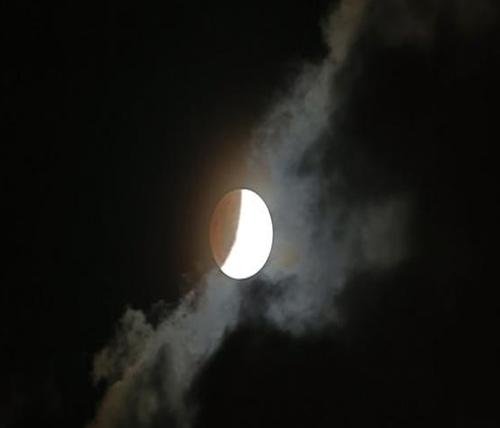 No togel menurut mimpi melihat bulan kembar