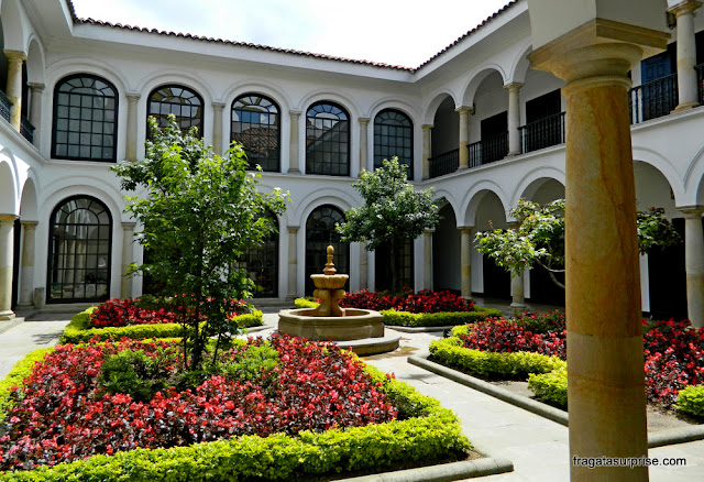 Pátio interno do Museu Botero, em Bogotá