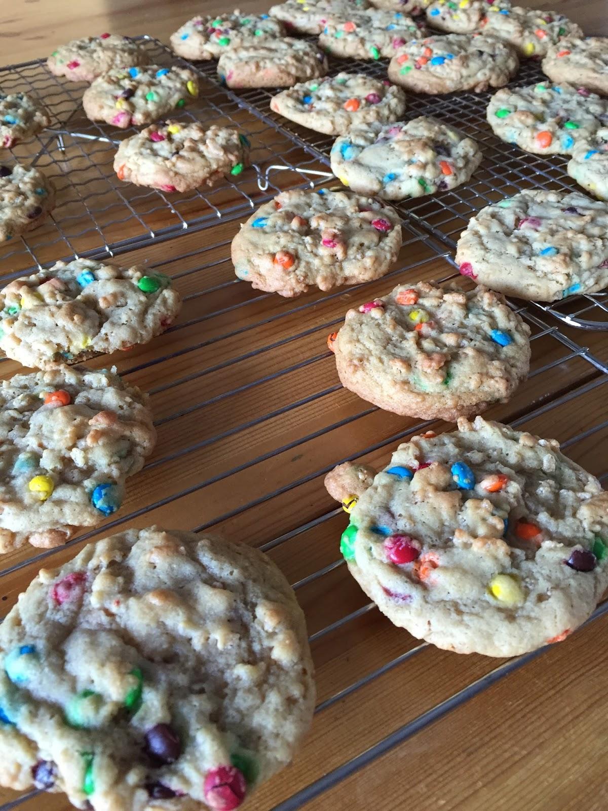i like to cook: M&M Rice Krispie Cookies