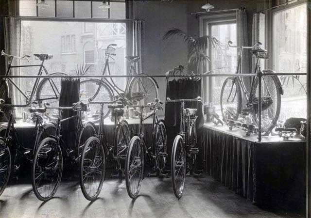 bicycle shop design picture
