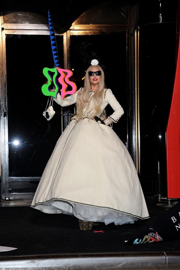 Lady Gagas Latest Looks Stylish Starlets