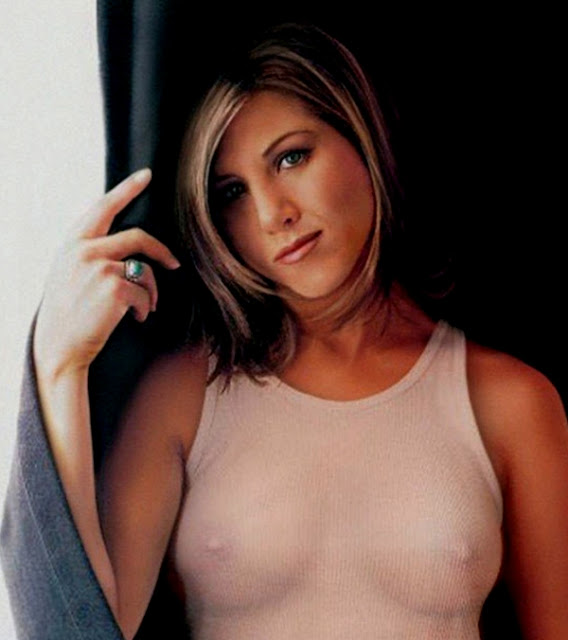 Jennifer aniston naked with other chick well