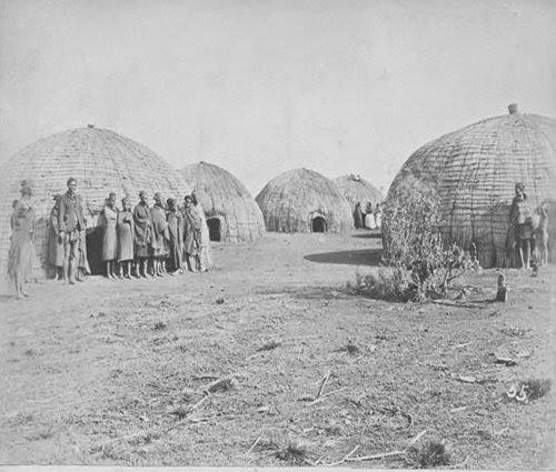 Zulu huts picture 1