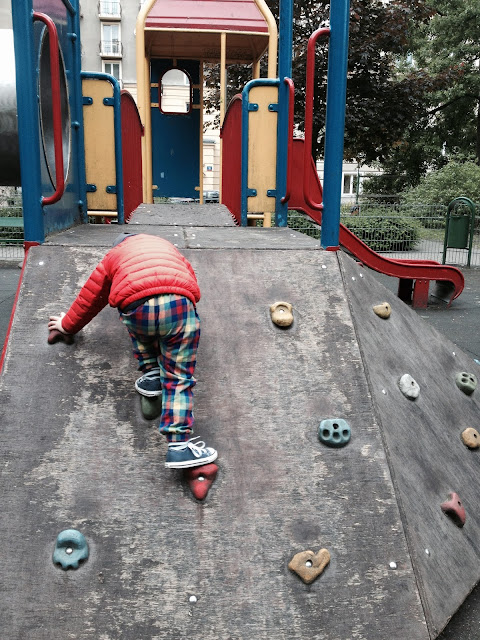 place zabaw na Muranowie