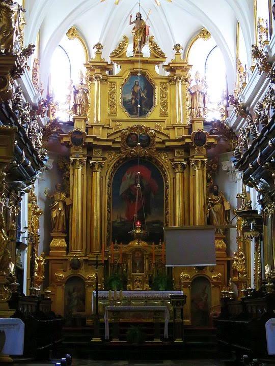 Ołtarz główny w Bazylice św. Floriana.