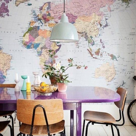 mapas na sala de jantar